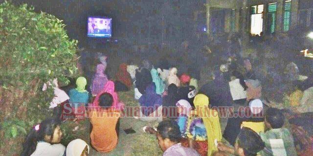 Warga Kelurahan Gerantung Antusias Nonton Bareng Film G30S/PKI