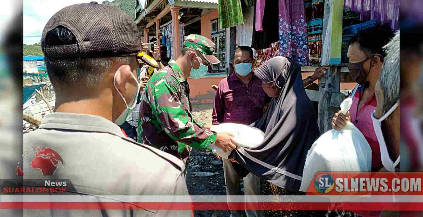 Bersama Perang Melawan Corona, Tentara - Polisi di Sumbawa Serang Warga Dengan Sembako