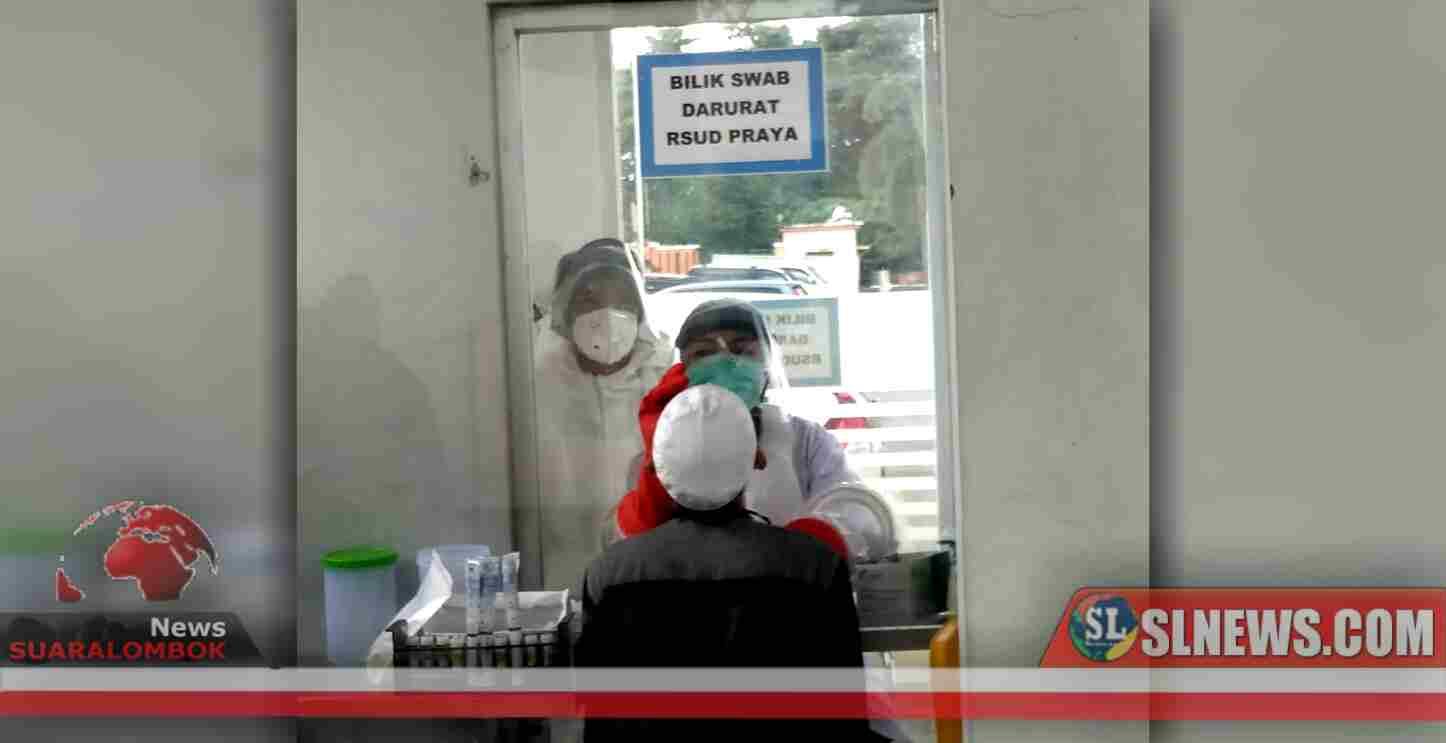 37 Orang Klaster Gowa Menjalani Pengambilan Swab di RSUD Praya