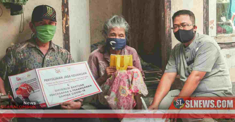 Disela - sela Penyuluhan Jasa Keuangan, HBK Bagi - Bagi Paket Sembako di Kota Mataram
