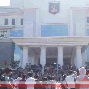 Pilkades Ditunda, 16 Cades di Lombok Tengah Ancam Boikot Pilkada 2020