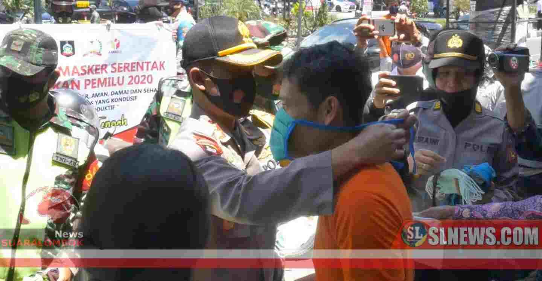 Di Lombok Tengah, Polisi Gelar Razia dan Bagi-bagi Masker