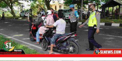 Penjagaan di puntu masuk wilayah Lombok Tengah