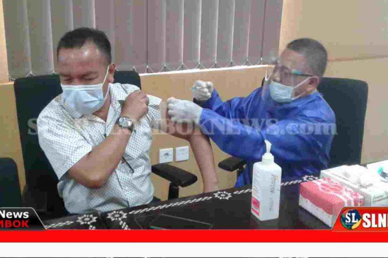 Vaksinasi Anggota Dewan Lombok Tengah