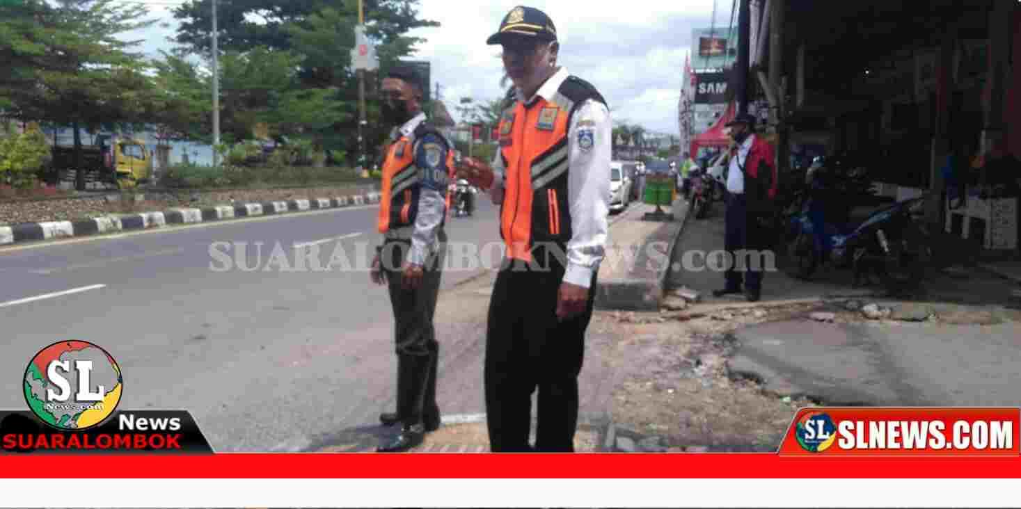 Petugas Dishub Lombok Tengah