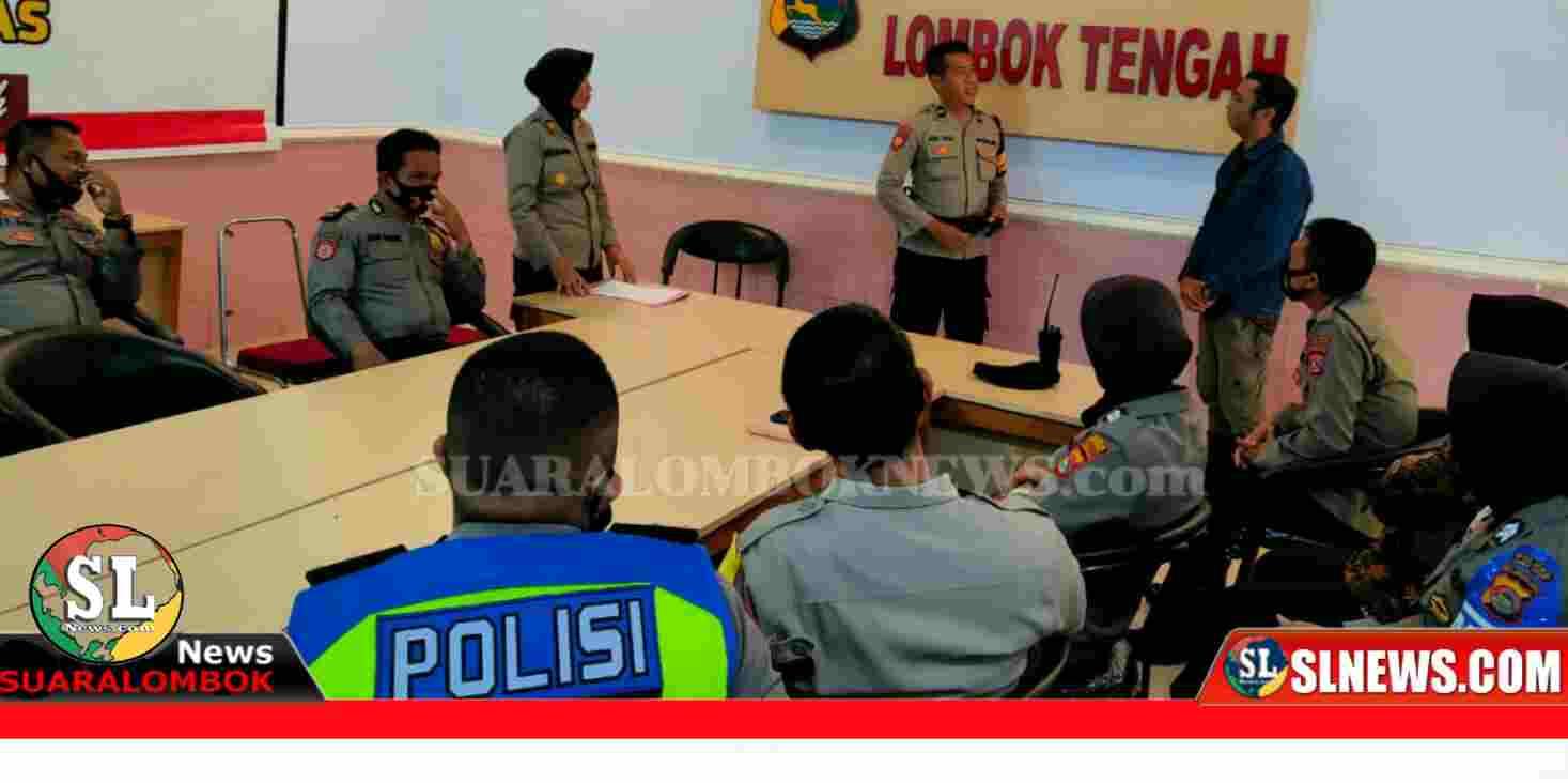 Personil Polres Lombok Tengah berlajar bahasa Inggris