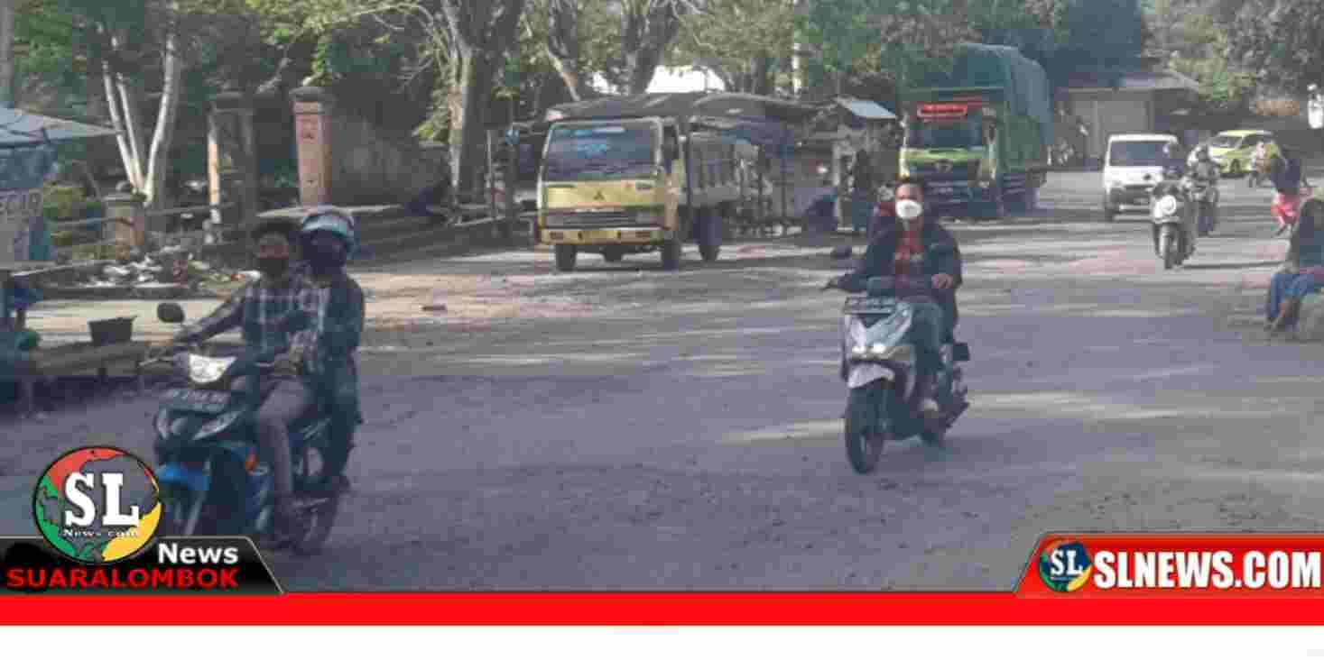 Jalan Raya Taman Biao Lombok Tengah