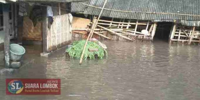 Diguyur Hujan Lebat, Desa Darek Nyaris Tenggelam