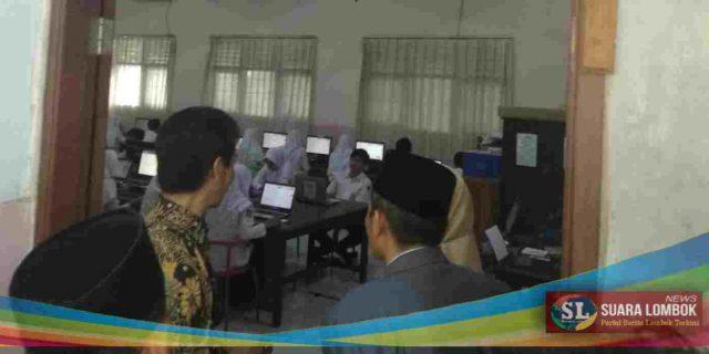 Hari Pertama UNBK SMP di Lombok Tengah Berjalan Lancar