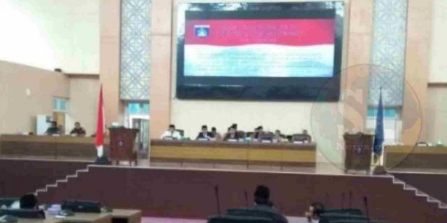 DPRD Serahkan Rekomendasi LKPJ Kepada Bupati Lombok Tengah