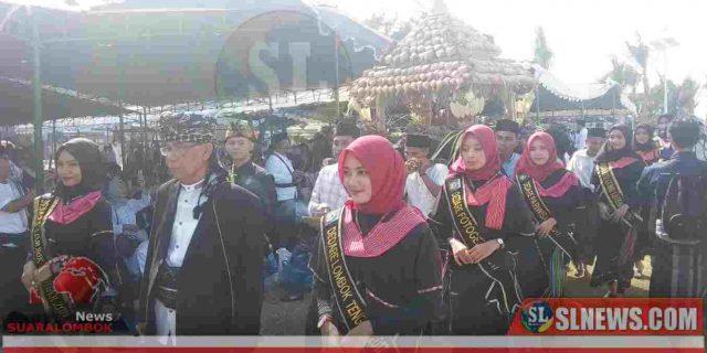 Parade Ketupat Agung Awali Lebaran Topat di KEK Mandalika Risort