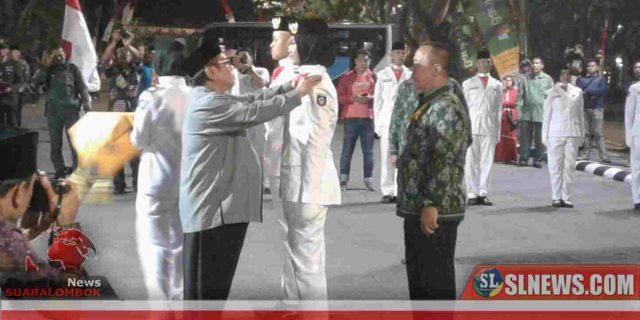 Suhaili Kukuhkan 30 Anggota Paskibraka Lombok Tengah