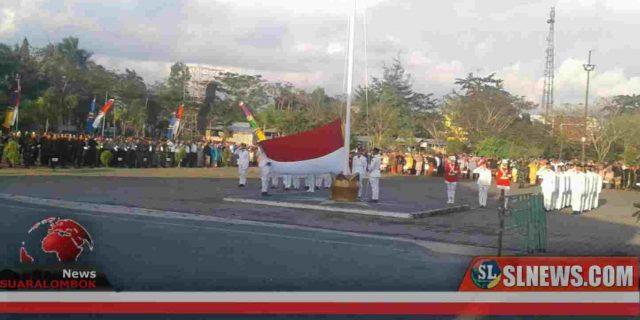 Lalu Pathul Pimpin Upacara Penurunan Bendera di Lombok Tengah