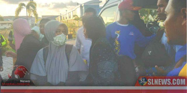 Warga Lombok Tengah Korban Kerusuhan Wamena Tiba di Bandara LIA