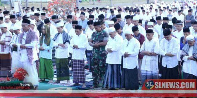 Ribuan Warga dan ASN di Lombok Tengah Shalat Minta Hujan