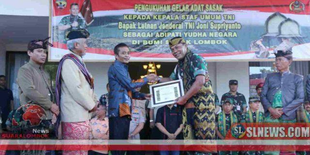 Tiba di Lombok Tengah, Kasum TNI Dapat Gelar Adipati Yudha Negare