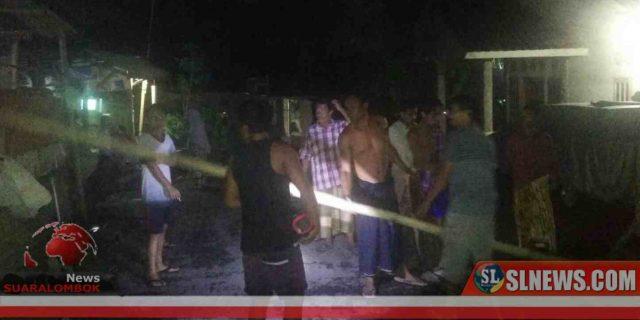 Bersama Perang Melawan Corona, Satgas Covid-19 Desa Aik Mual Pasang Portal di Jalan Masuk Dusun