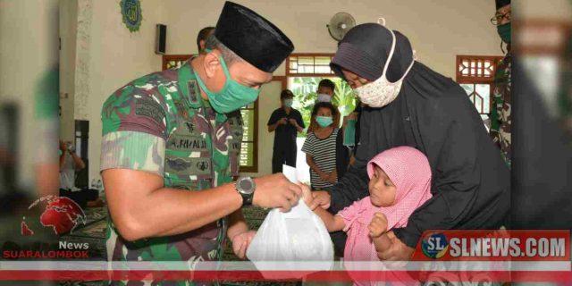 Di Lombok Utara, Anak Yatim Dapat Bingkisan Dari TNI