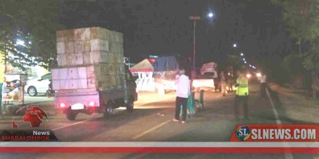 Gugus Tugas Covid-19 Periksa Pengendara di Portal Simpang Poto Tano
