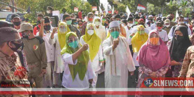 Parade Seni dan Budaya Multi Etnis iringi Selly – Manan Daftar ke KPU Kota Mataram