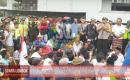 Demo Ratusan Warga Lingkar KEK The Mandalika di Kantor ITDC Nyaris Rusuh