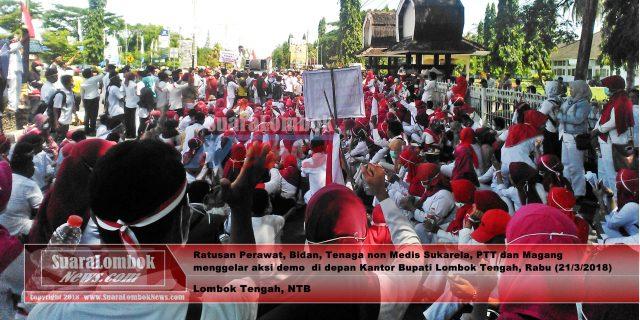 Tak Mau Dirumahkan, Perawat dan Bidan Serbu Kantor Bupati Lombok Tengah